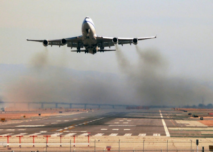 aviation airplane pollution